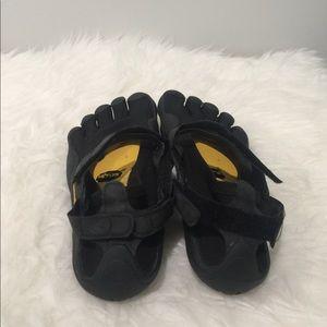 detailed look 743b9 314e4 Vibram Shoes - Five Fingers Toes Vibram Black Running Shoes